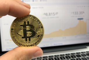 Bitcoin Market Dominance Hits Seven Month High as Altcoins Beat a Retreat