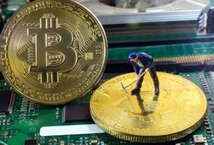 Bitcoin's Mining Fees Mirror Rocketing Price Surge as Miners Cash in