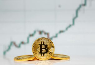 All Eyes Are on $8,200 as Bitcoin Continues Consolidating in Lower $8,000 Region