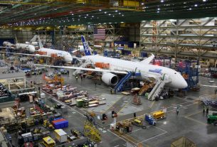 Trump Slams 'Very Disappointing' Boeing but It's His Most Loyal Dow Ally