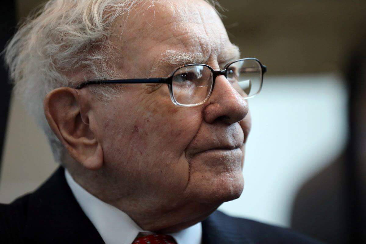 This Key Metric Will Make Warren Buffett Think Twice About Selling More Apple Shares