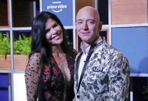 Jeff Bezos Cashed Out $4 Billion in Amazon Stock For a Mighty Shopping Spree