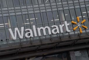 Is Walmart's Overvalued Stock an Omen for Recession?
