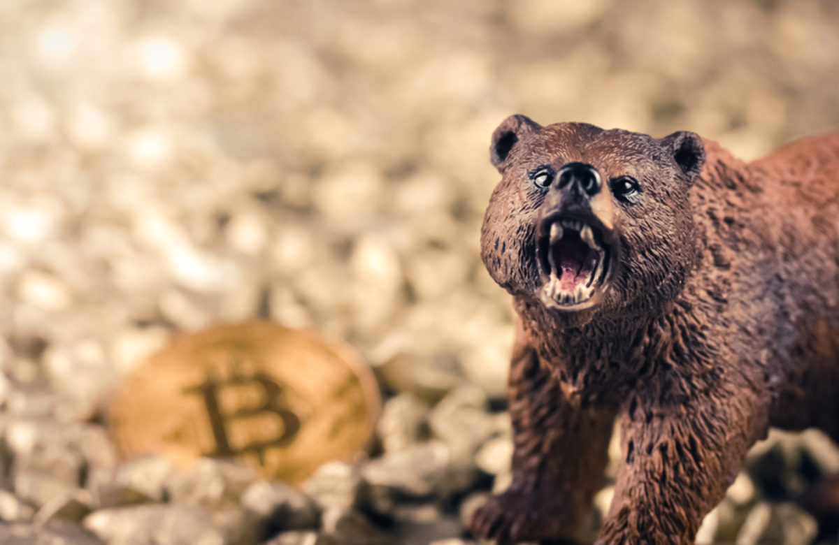 Bitcoin Risks Drop to $8.7K as Accurate Fractal Flashes Sell-off Sentiment
