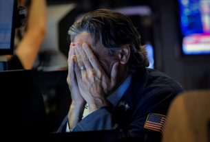 Dow Futures Plunge 500 Points after Scary New Wuhan Report