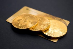 Why One Outspoken Bitcoin Bull Recommends Holding More Gold Than BTC