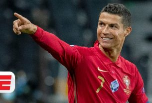 Cristiano Ronaldo Is Becoming the GOAT as Lionel Messi Gets Distracted