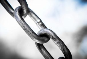 Analyst: Chainlink Likely to Face Grim Downturn That Leads to $6.85