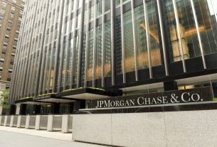 JP Morgan Analysts Explain Why Bitcoin Price is Falling