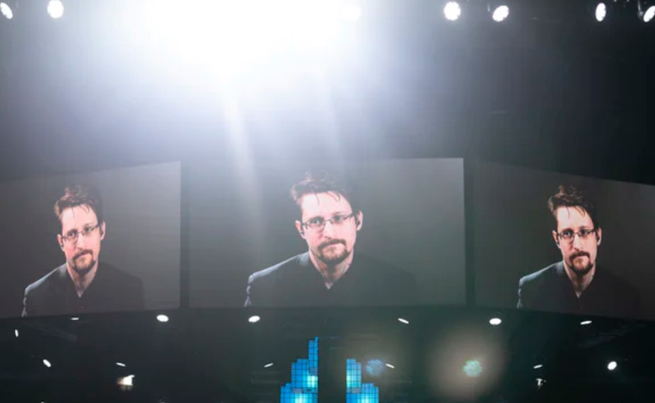 """What Edward Snowden Thinks """"Dragon Level"""" Wealth Will Do To Bitcoin"""